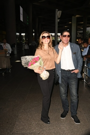 Spotted – Hollywood Italian Actress Antonella Salvucci At The Airport