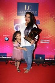 Karishma Shetty won Iconic Celebrity Spiritual Coach at Midday Awards