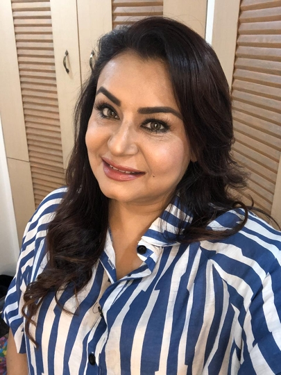 Actress Divyajyotee Sharma Is Helping The Poor In Mumbai