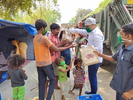 Sachiin J Joshi's Big Brother Foundation Donates Nutritious Food Boxes To Police & Municipal Workers