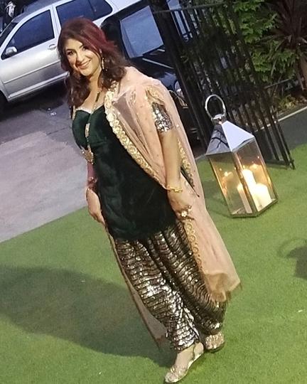 Bollywood Lyricist Meenu Singh Celebrates  Her 25 Years In Bollywood