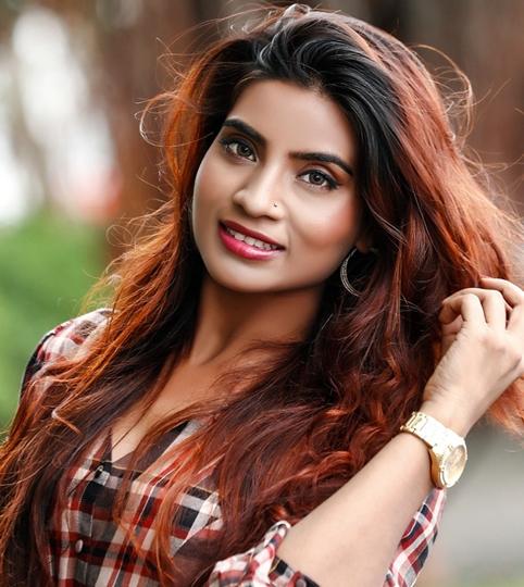Ayesha Khan  Starrer Video Song  Dastak Yaara Tune Jo Di Released On 14 Nov 2020 By Jazba Entertainment