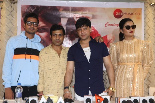 Prince Naveed Khan's New Hindi Music Video Humsafar Poster Release Concluded
