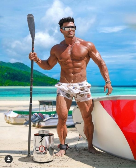 India's 1st USA  Fda approved supplements brand divine nutrition owned by Hiren Desai and Mr. Sahil khan